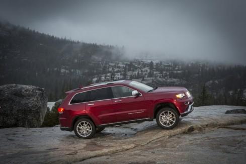 2014 Jeep Grand Cherokee - Side Profile