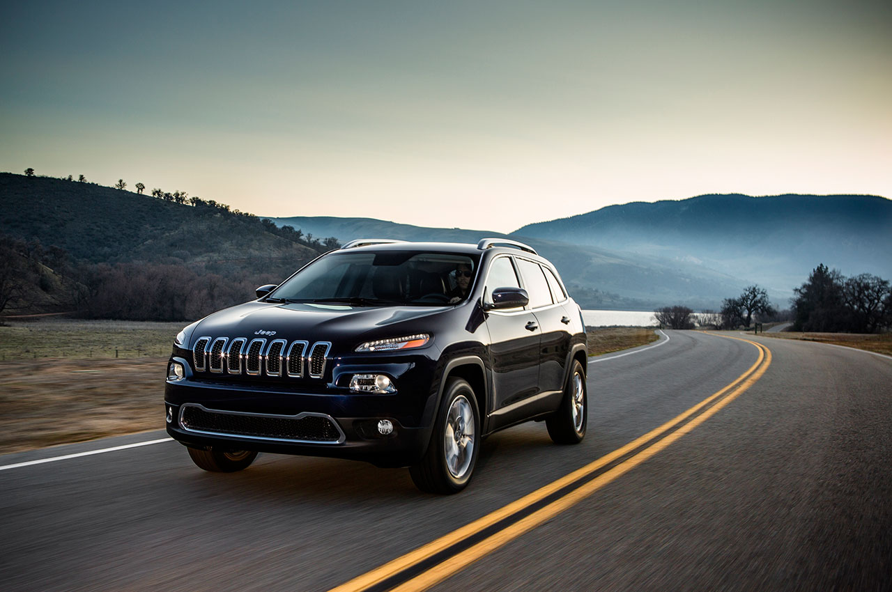 2014 jeep cherokee limited in motion. Cars Review. Best American Auto & Cars Review