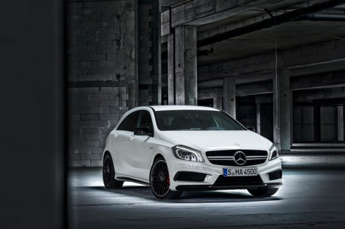 Mercedes A45 AMG - Front 3/4