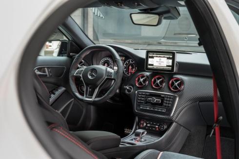 Mercedes A45 AMG - Interior