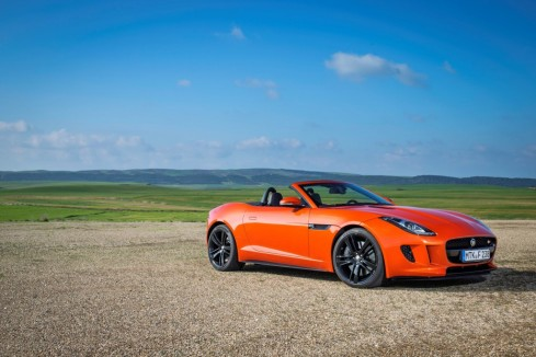 2014 Jaguar F-Type - Front 3/4