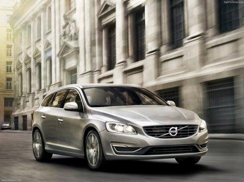 2014 Volvo V60 - Front 3/4