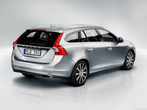 2014 Volvo V60 - Rear 3/4