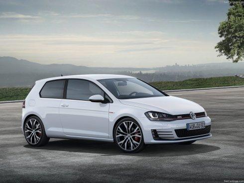 2014 Volkswagen GTI - Front 3/4